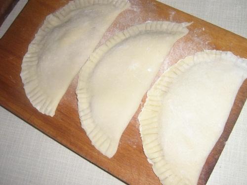 Как сделать мягким тесто для чебуреков